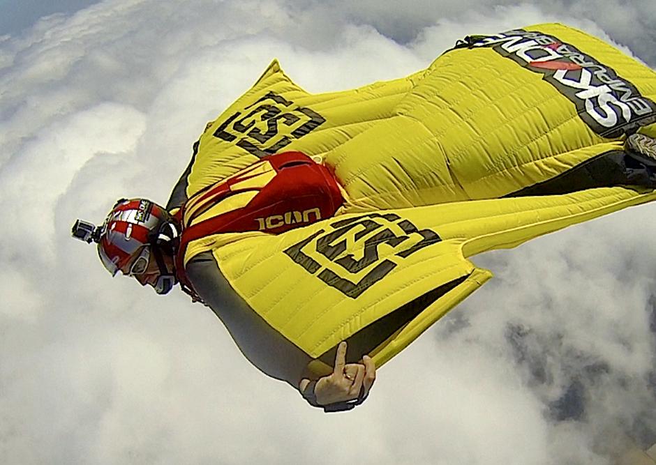 2014/10/wingsuit6.jpg