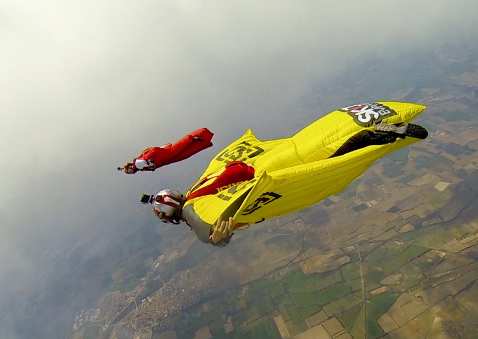 2014/10/wingsuit7.jpg