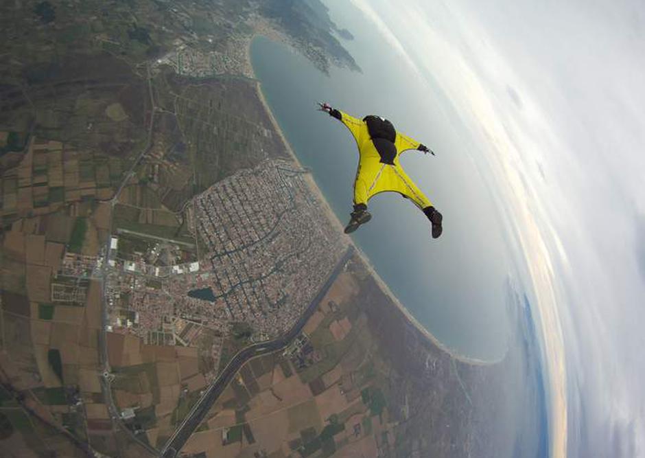 2014/10/wingsuit8.jpg