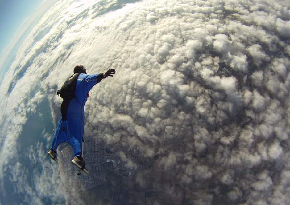 2014/10/wingsuit9.jpg